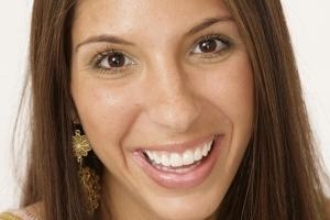 Danielle Gummy Smile F2 Post1 5.19.07-159 2 copy