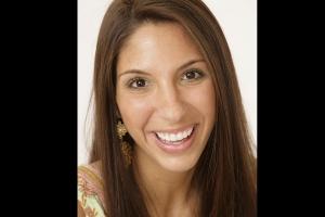Danielle Gummy Smile F Post1 5.19.07-159 2